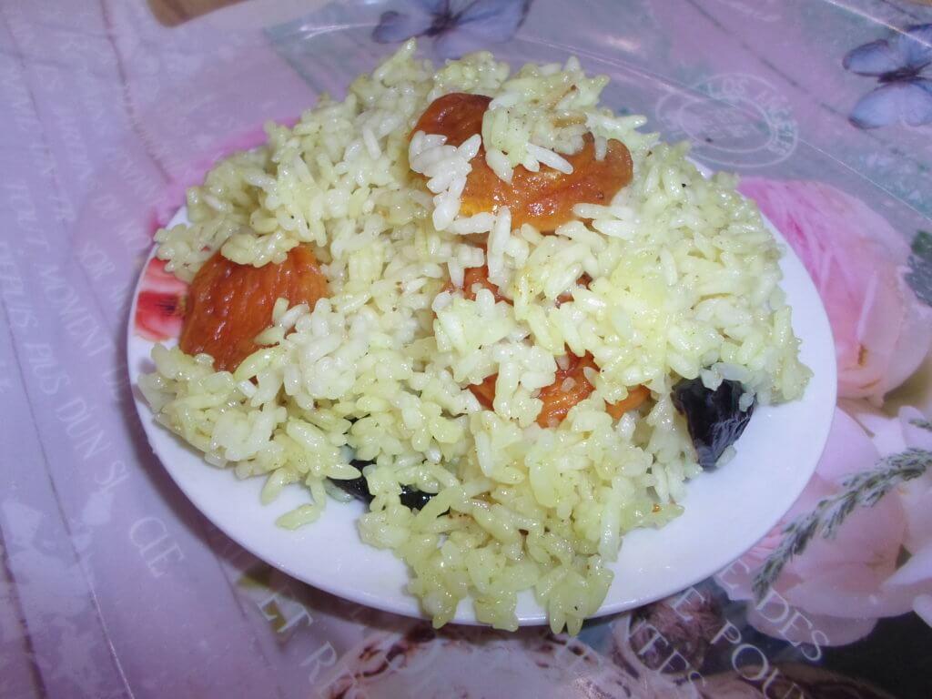вегетарианский сладкий плов по-индийски
